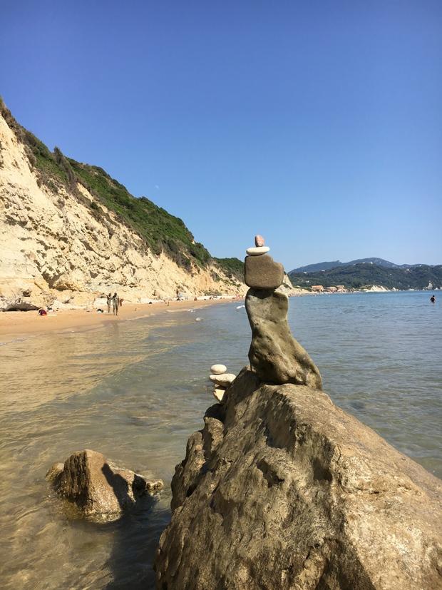 Strandkunst - Steine und Strand