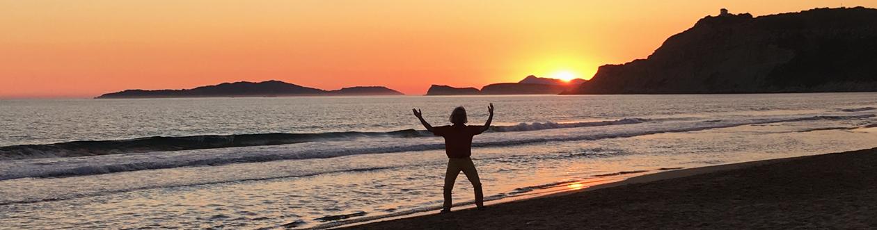 Am Strand bei Sonnenuntergang